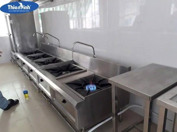 Bếp hầm đôi có vòi nước được sử dụng phổ biến trong nhà hàng khác sạn