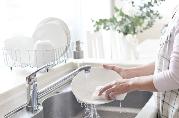 Các sai lầm nguy hiểm khi dùng nước rửa bát