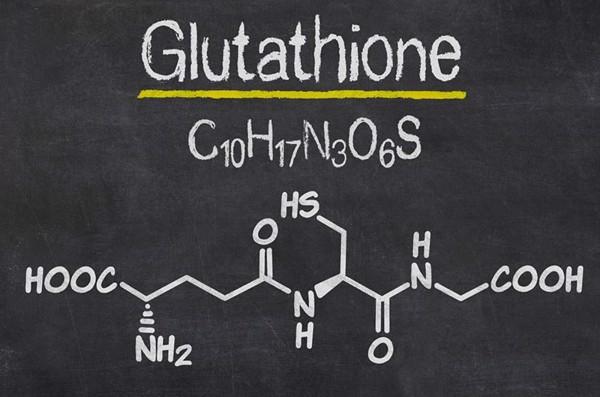 Viên ngậm trắng da Glutathione được sản xuất tại nhà máy đạt chuẩn GMP Châu Âu