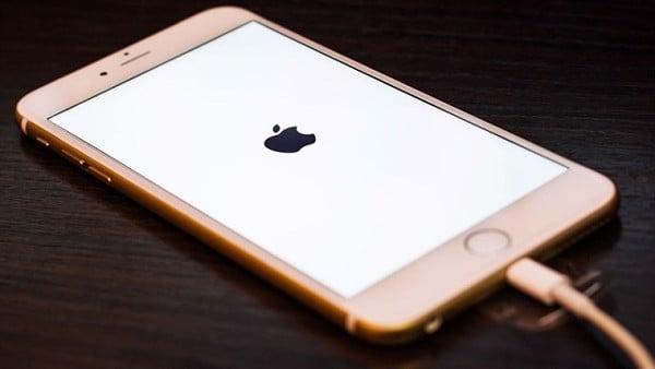 iPhone không vào điện
