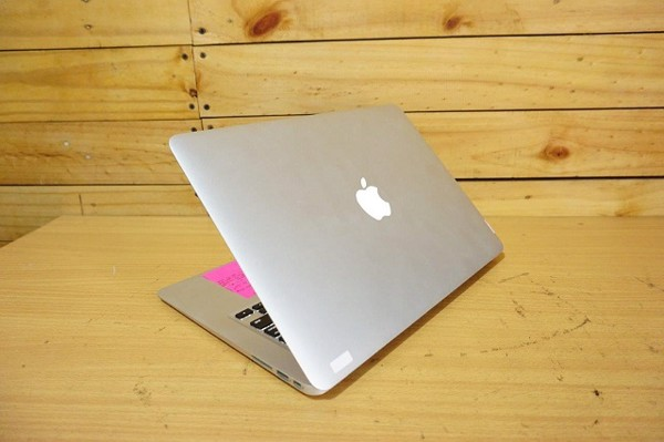 Macbook Air 13.3' MC965