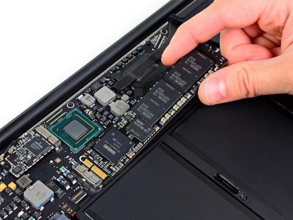 Phần cứng MacBook