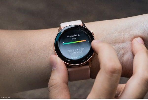 (Samsung Galaxy Watch Active - Chiếc đồng hồ thể thao có độ chính xác cao)