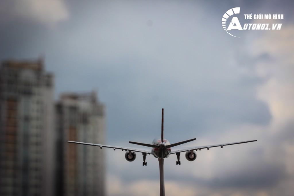 MÔ HÌNH MÁY BAY BOEING 777 AMERICAN AIRLINES 18CM EVERFLY 4798