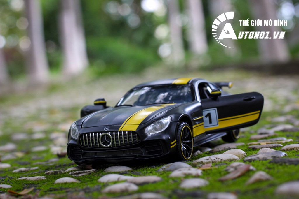 MÔ HÌNH MERCEDES BENZ GT BLACK YELLOW 1:32 MINIAUTO 7119