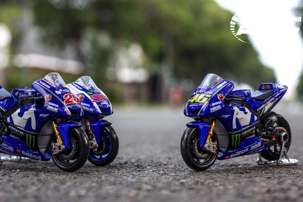 MÔ HÌNH XE MOTO GP YAMAHA FACTORY RACING