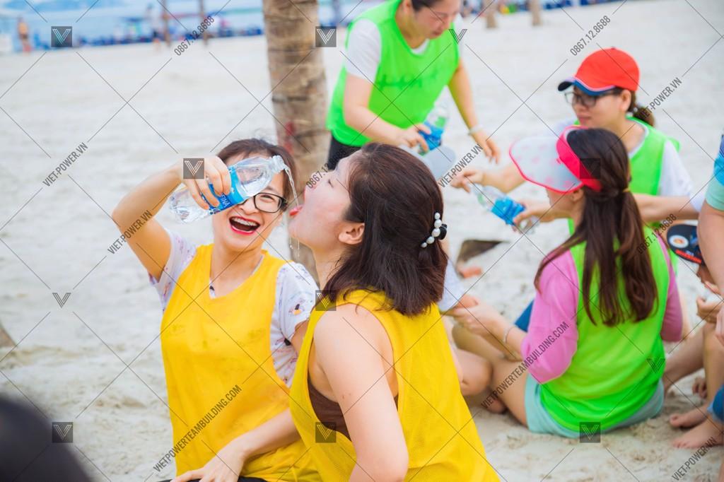 Teambuilding Bãi Biển - Lớp 3B1 - Trường Vinshool