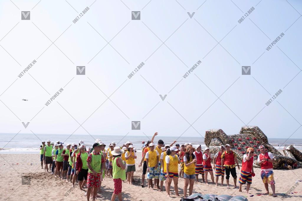 Chương trình Teambuilding bãi biển Nissan Việt Nam