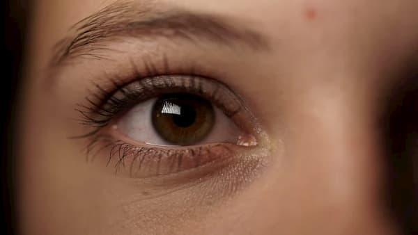 """Cách """"xóa sổ"""" quầng thâm mắt, nếp nhăn và bọng mắt sưng tại nhà"""