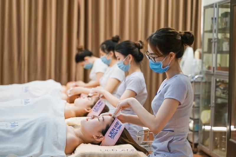 Giải mã sức hút công nghệ siêu âm dưỡng da mặt trong chăm sóc da mặt