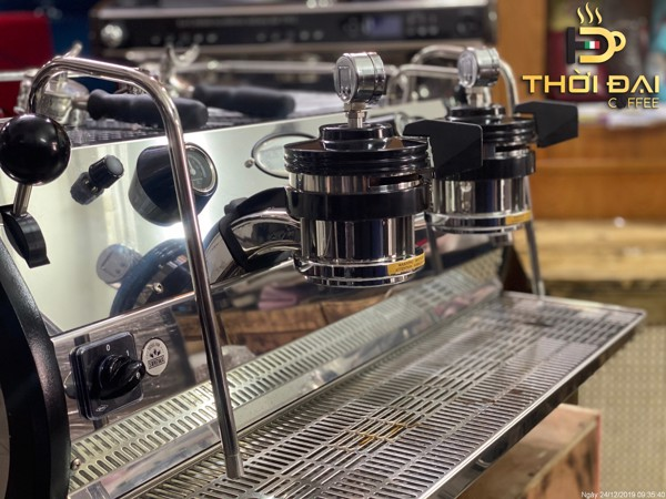 may-pha-ca-phe-la-marzocco-strada-mp-2-groups-3