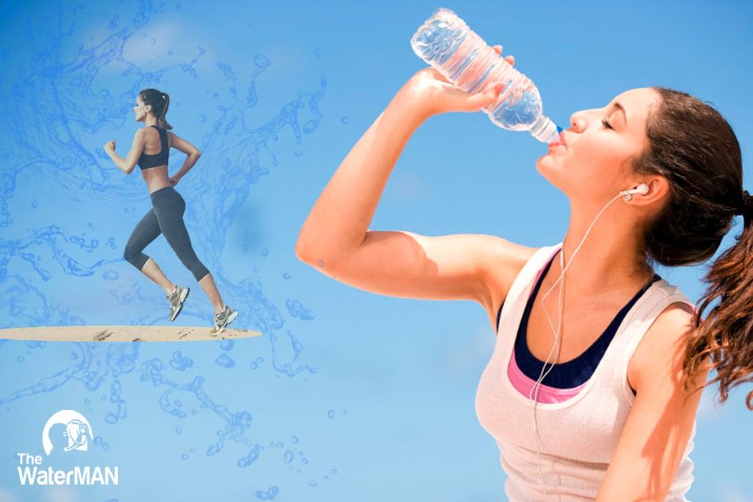 Vận động viên điền kinh uống nước thế nào để duy trì bền bỉ?