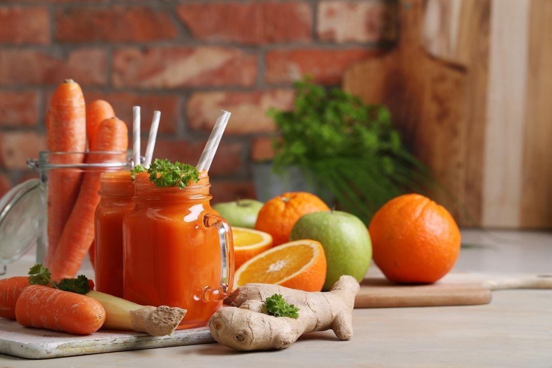 Công thức làm nước ép táo, cà rốt và cam nâng cao đề kháng mùa dịch
