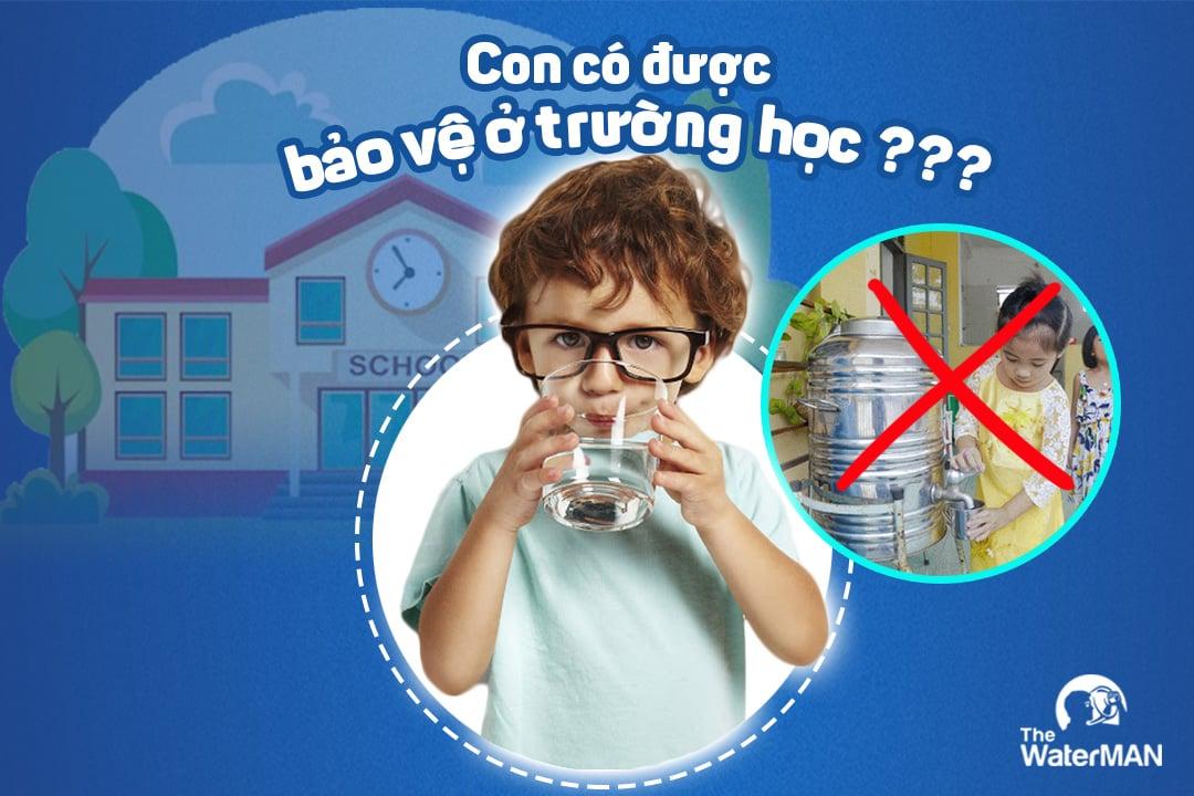 Sức khỏe con bạn đang bị bào mòn do thói quen uống nước này