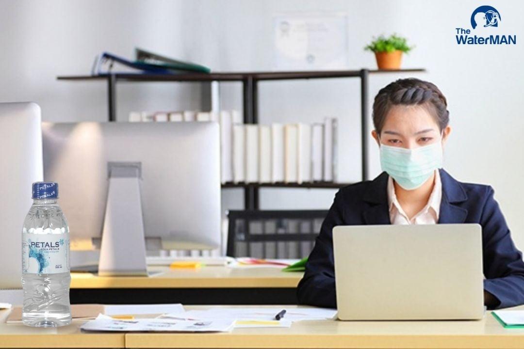 Cách để dân văn phòng bảo vệ sức khỏe mùa dịch Covid-19