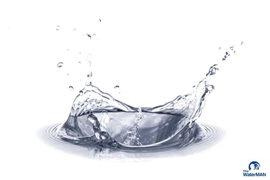 có nên uống nước lạnh khi viêm họng hay không