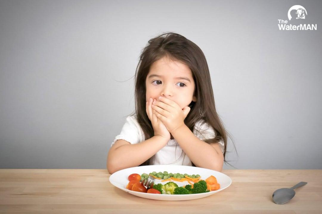 Nước ngọt có ga gây tình trạng biếng ăn ở trẻ