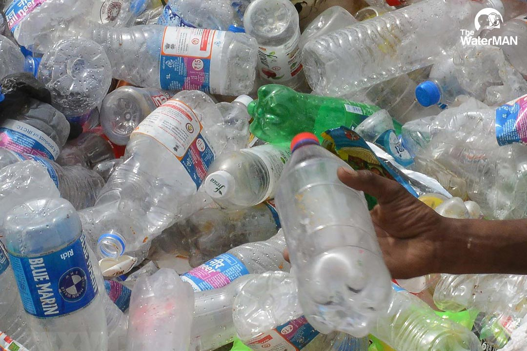 Tái sử dụng chai nhựa tương tương với việc làm tăng lên số lượng vi khuẩn gấp nhiều lần