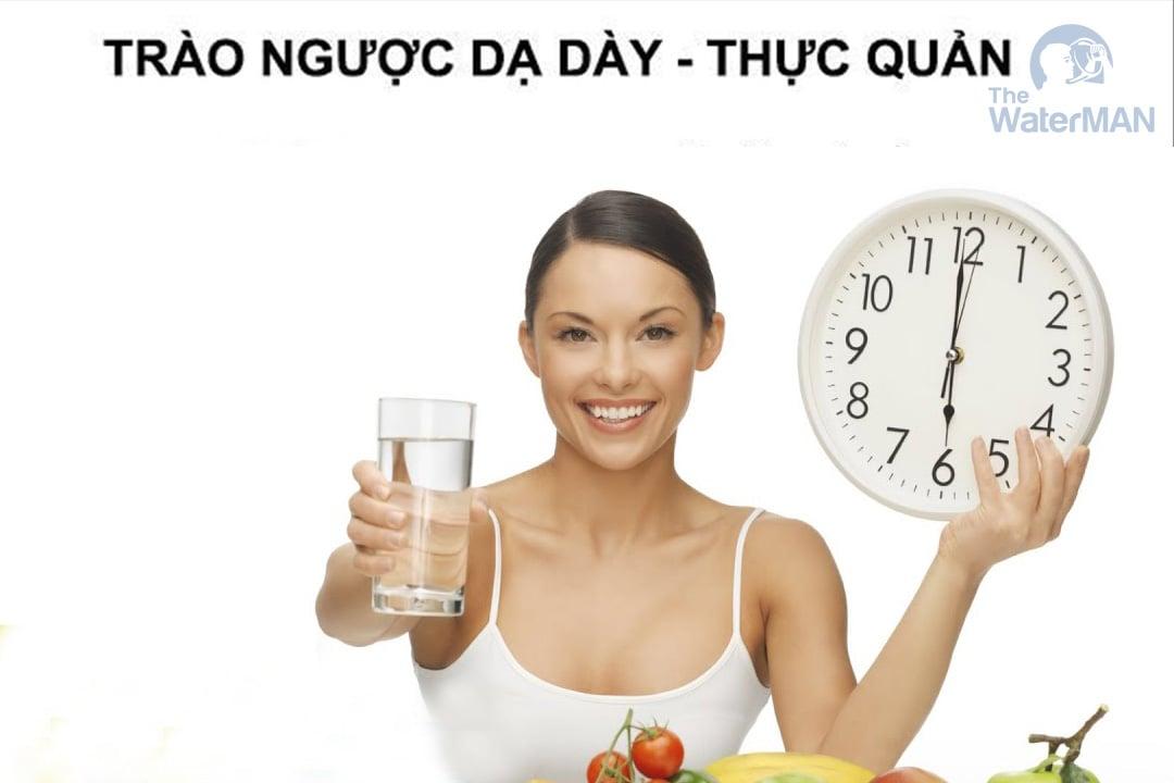 Trào ngược dạ dày nên uống nhiều nước lọc