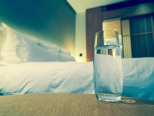 Không nên uống nước quá gần thời gian đi ngủ