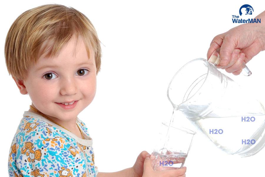 Thành phần của nước tinh khiết chủ yếu là oxy và hydro