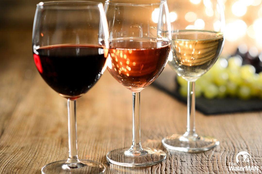 Đồ uống chứa cồn cũng được xem là lựa chọn thú vị cho ngày lễ tình nhân thêm trọn vẹn