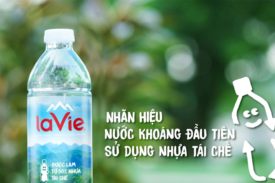 Lavie đã triển khai việc tái chế chai nhựa nhằm giảm thiểu ô nhiễm môi trường