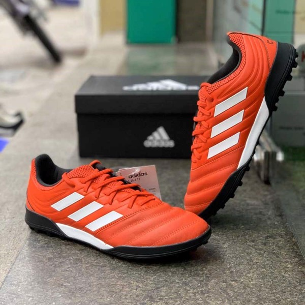 giay-da-bong-adidas-gia-re