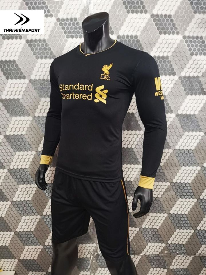 QA bóng đá tay dài Liverpool đen