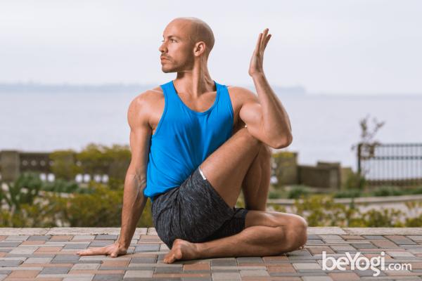 Yoga-thai-hien-sport23
