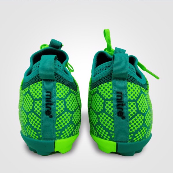 gót của giày mitre màu xanh chuối