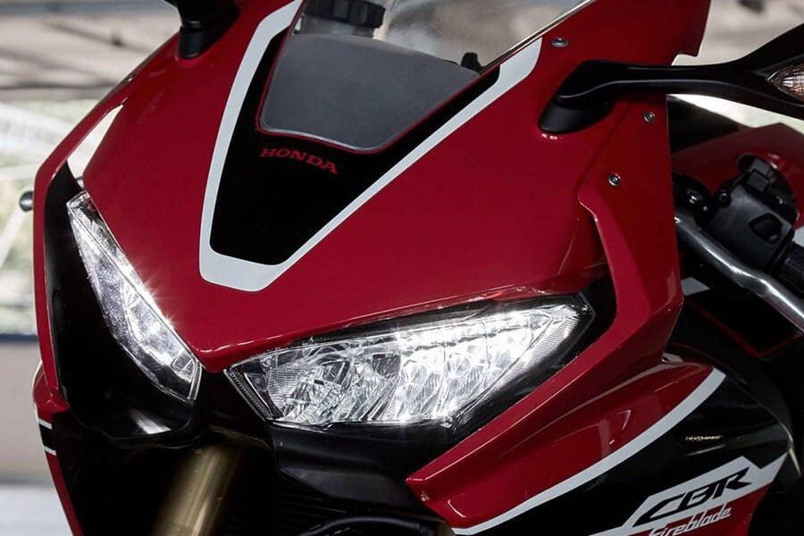 CBR 1000RR được bán tại Honda Doanh Thu
