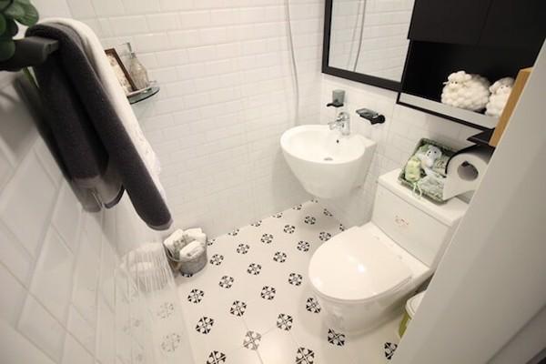 cách tẩy trắng sàn nhà vệ sinh đơn giản hiệu quả