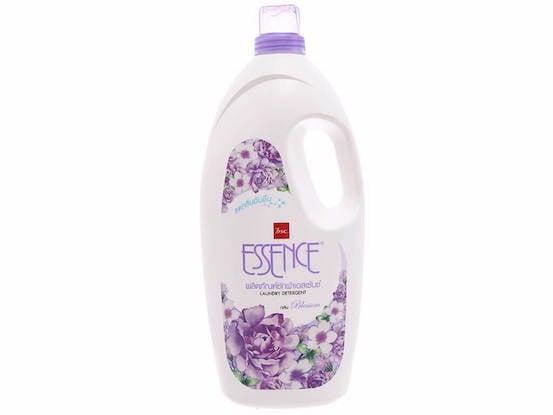 nước giặt essence hương blossom chai 1.9 lít.jpg