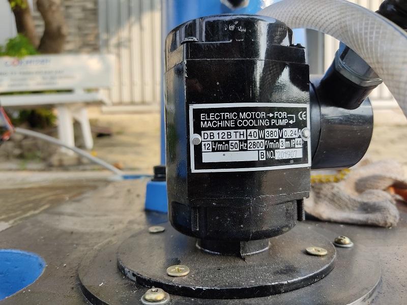 Máy khoan cần mini bơm làm mát tự động WDDM Z30327XP