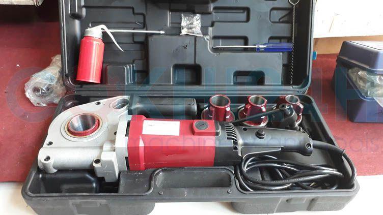 Bộ máy ren ống cầm tay Shida SD30