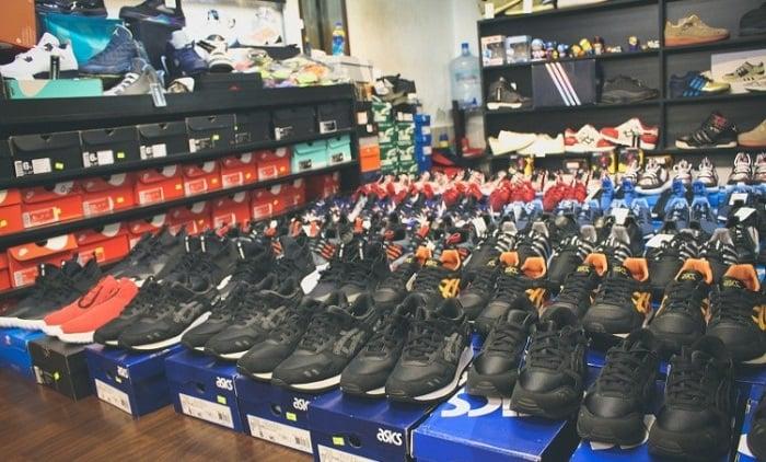 Với đa dạng mẫu mã, shop giày real TPHCM này cũng rất được lòng các bạn trẻ.