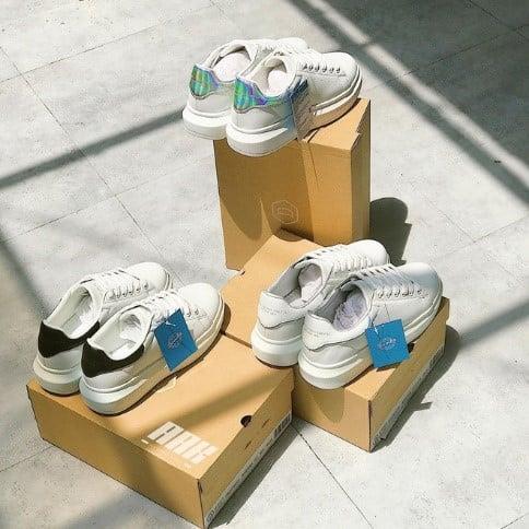 Nếu bạn muốn biết giới trẻ Hàn đang mê đắm những đôi giày sneaker nam, nữ đẹp nào thì đến với All About Korea.