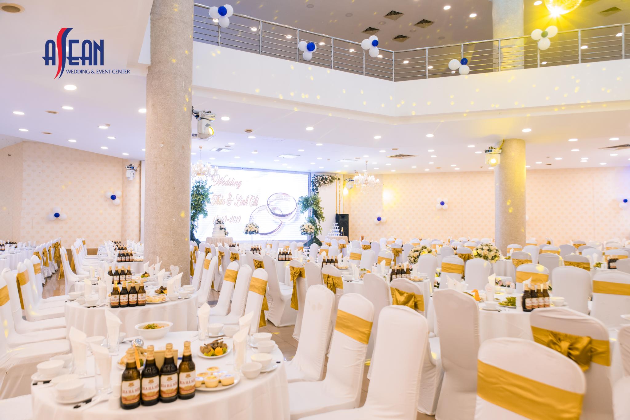 Sảnh tiệc cưới tại Triển lãm Vân hồ