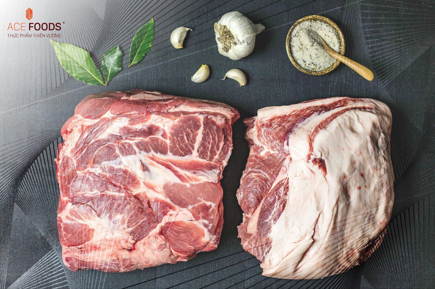 Nạc vai heo Nga nguyên miếng có chỉ mỡ mảnh xen kẽ giúp miếng thịt không bị khô