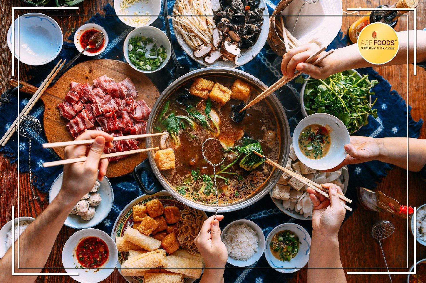 Lẩu riêu cua sườn sụn là món ăn quen thuộc được nhiều người yêu thích