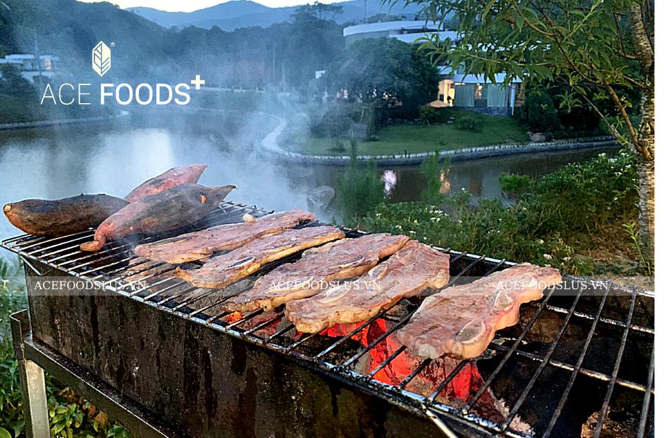 Sườn bò Mỹ  nướng BBQ bằng bếp than hoa cho mùi thơm dậy vị