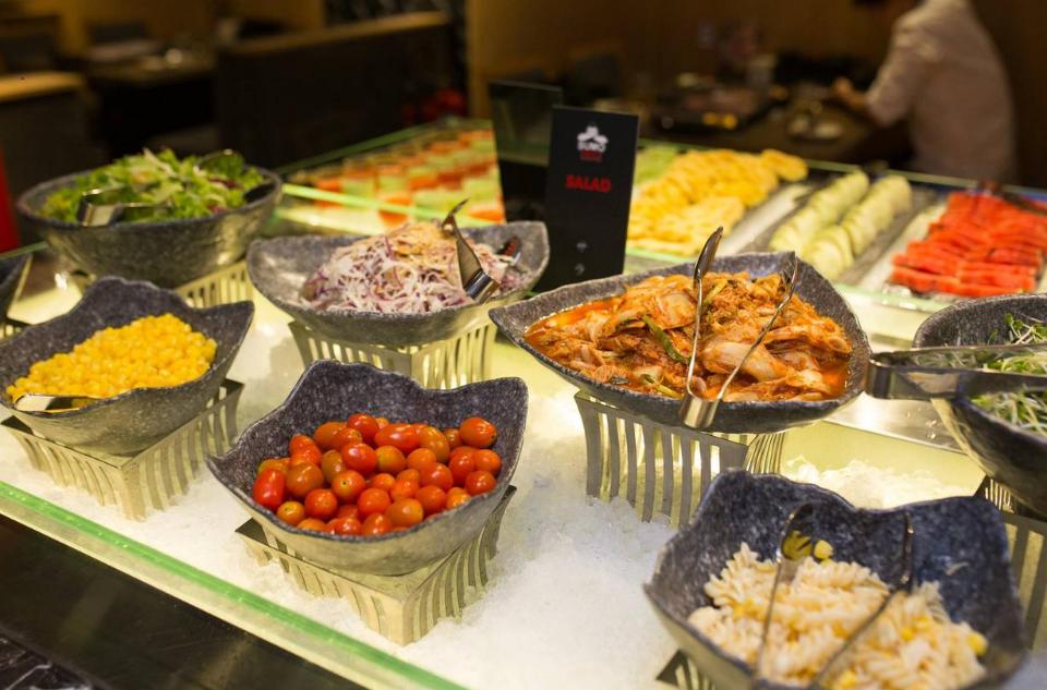 Thực đơn buffet đa dạng tại Sumo