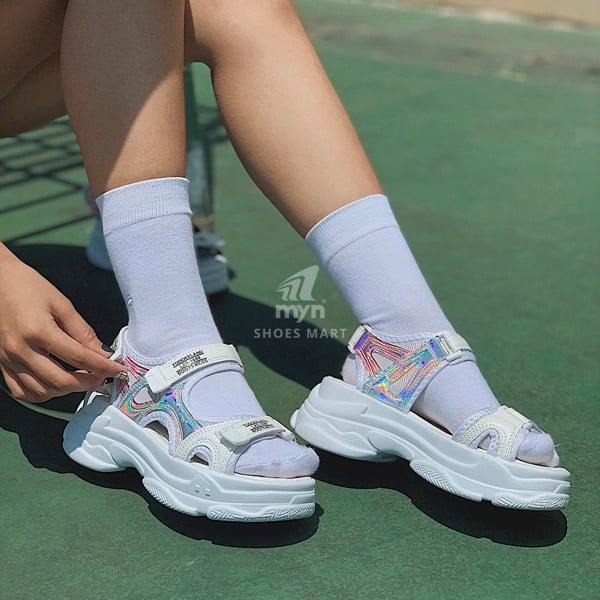 cách chọn size giày sandal