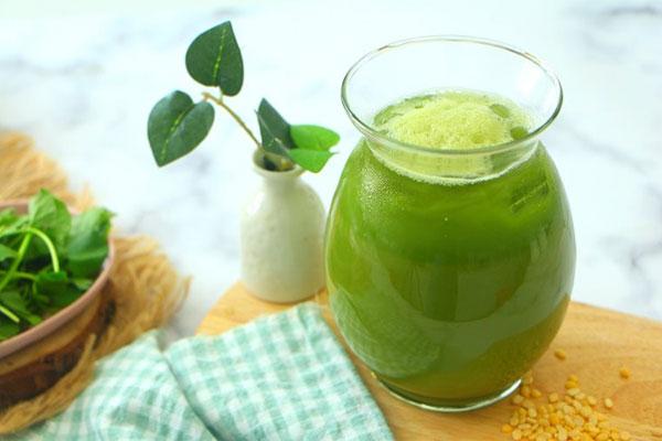 Nước ép rau má và Cách làm nước ép rau má giải nhiệt mùa hè