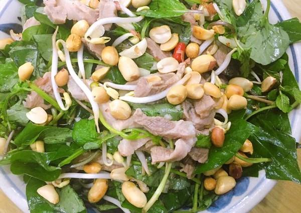 Cách chữa bệnh trĩ bằng rau diếp cá