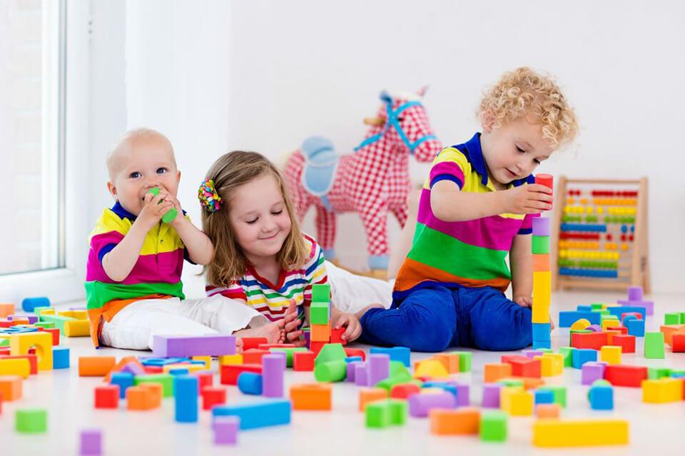 Các gợi ý trò chơi em bé trên 1 tuổi mẹ nên áp dụng