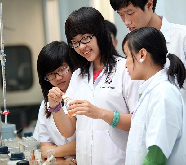 Điểm chuẩn ngành công nghệ sinh học y dược dự kiến của các trường