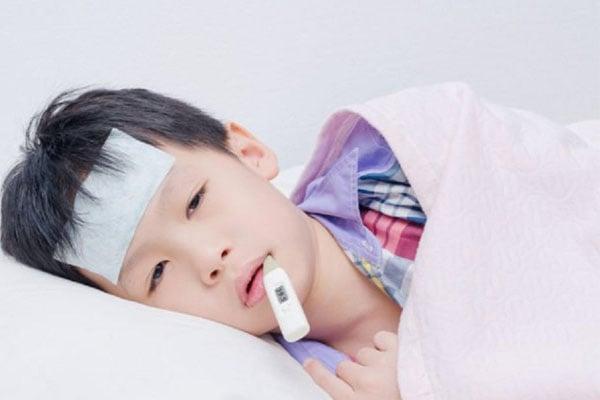 Chỉ sử dụng oresol khi trẻ bị sốt cao